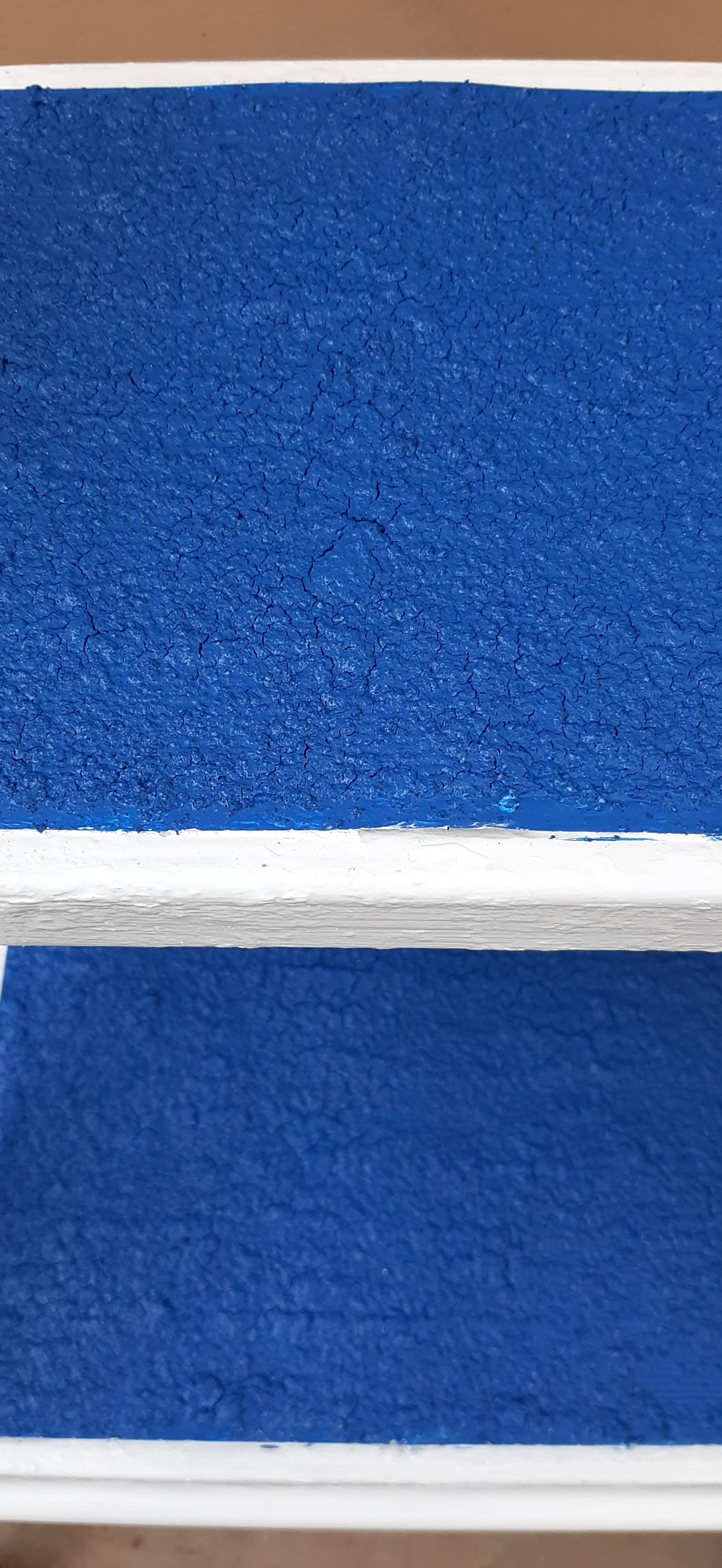 White Paint and Blue Tinted Non-Slip Rubber Step