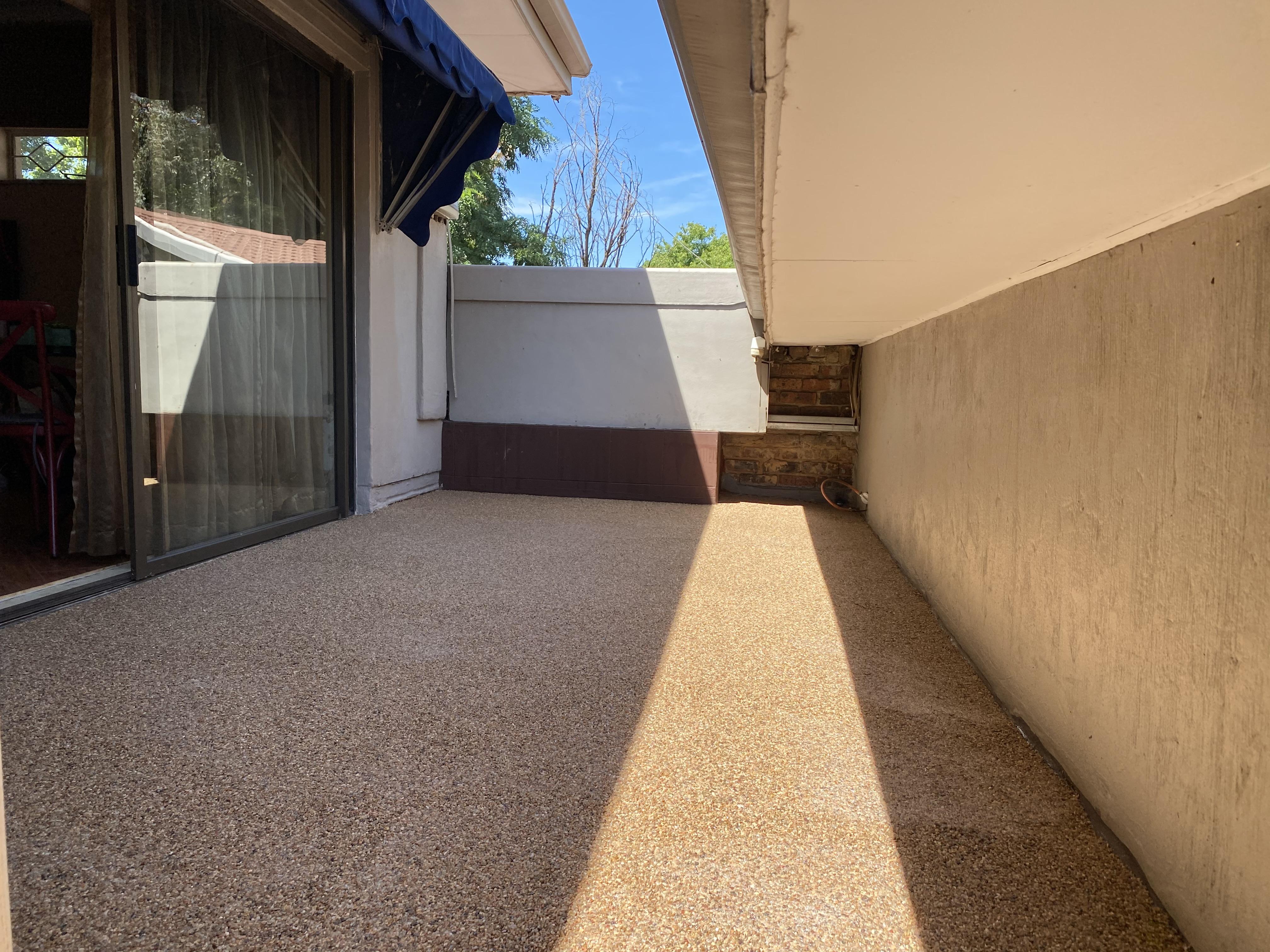 Pebble Patio - Pebble Veranda - Pebble sitting area - Protective roof cover - Pebbled Balcony - Pebbles - PebbleKote